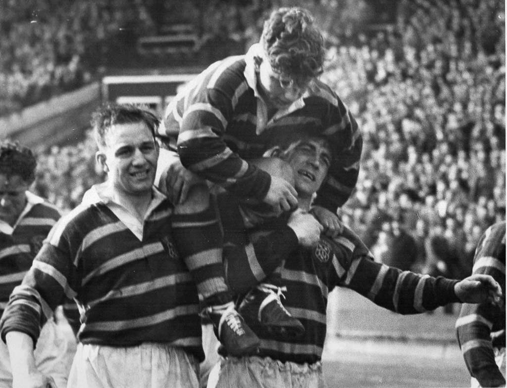 Hudd_v_Saints_1953_CCup_Final_-_Large_Ramsden_Valentine.jpg