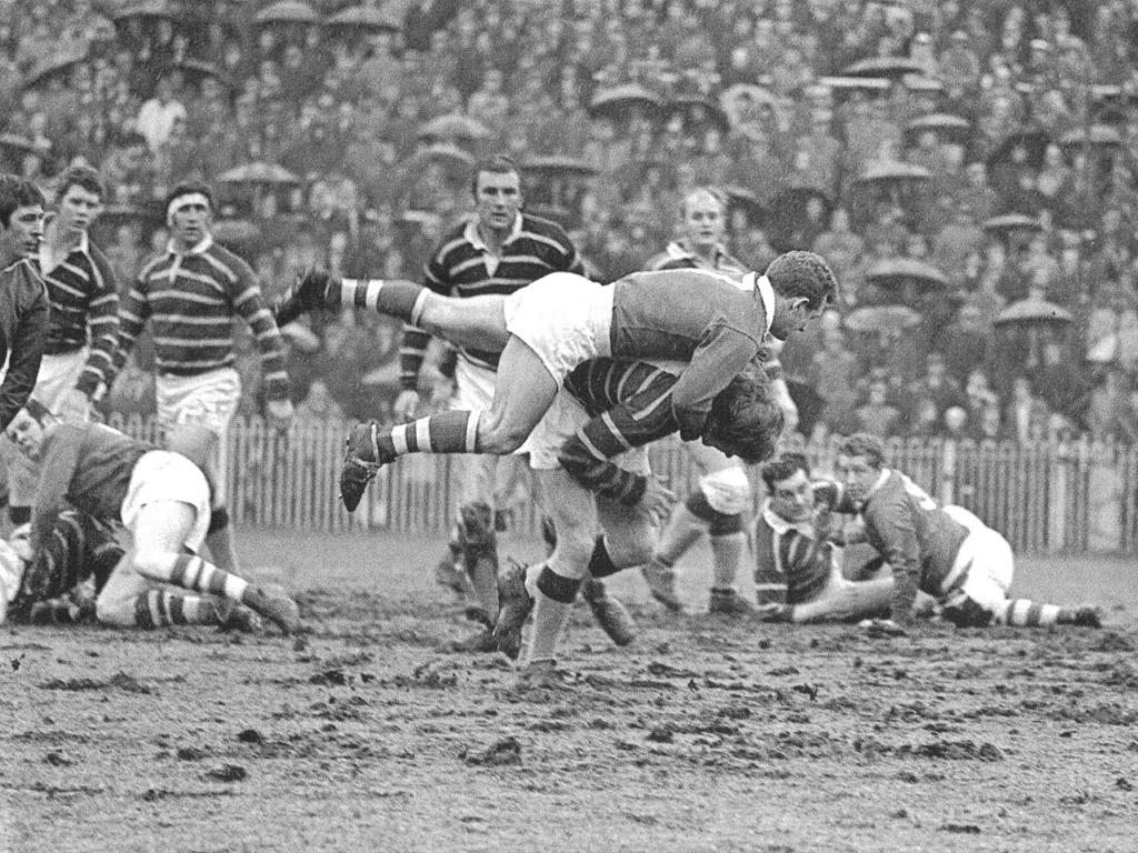 Hudd_v_Salford_Cup_1970.jpg