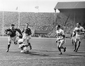 Hudd_v_Saints_Cup_Final_1953-_Henderson_Pepperell.jpg