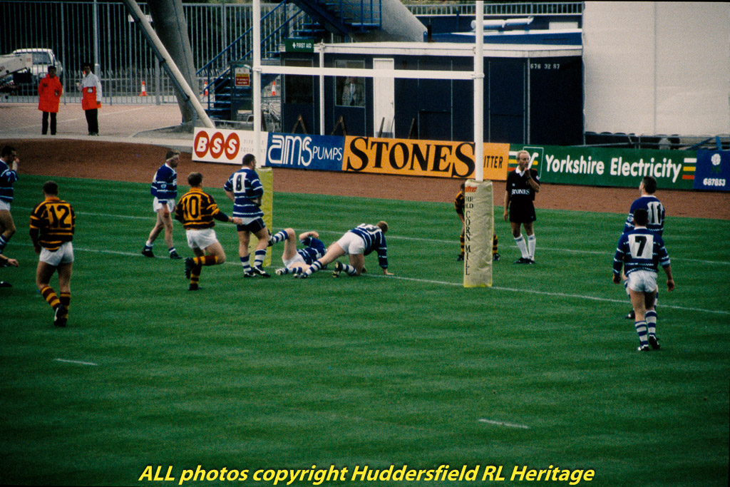 Fartown,-1st-Match-at-McAlpine,-1st-Try-007.jpg