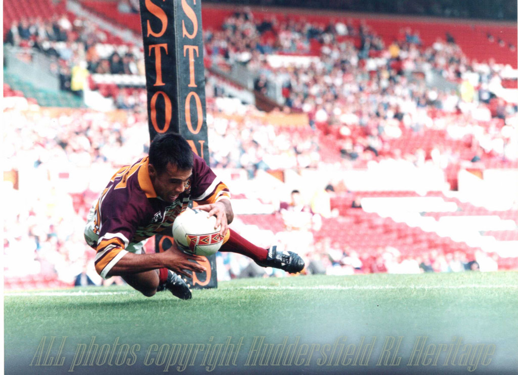 Ali_Davies_try_1997_Prem_Final_Old_Trafford.jpg