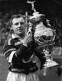 Hudd_v_Saints_Cup_Final_1953-_Russ_Pepperell_with_cup.jpg