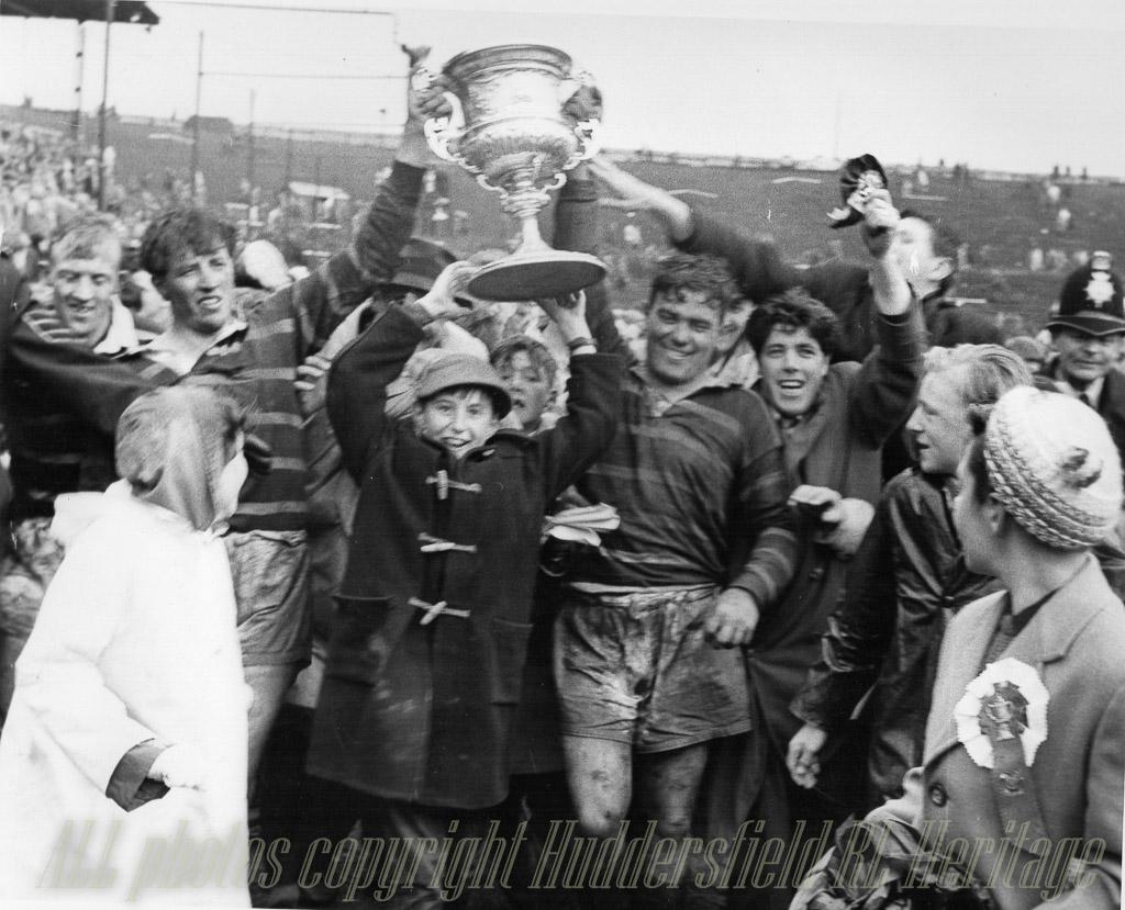 Hudd_v_Wakefield_Champs_Final_1962,_Kilroy_(l)_Close_(r).jpg