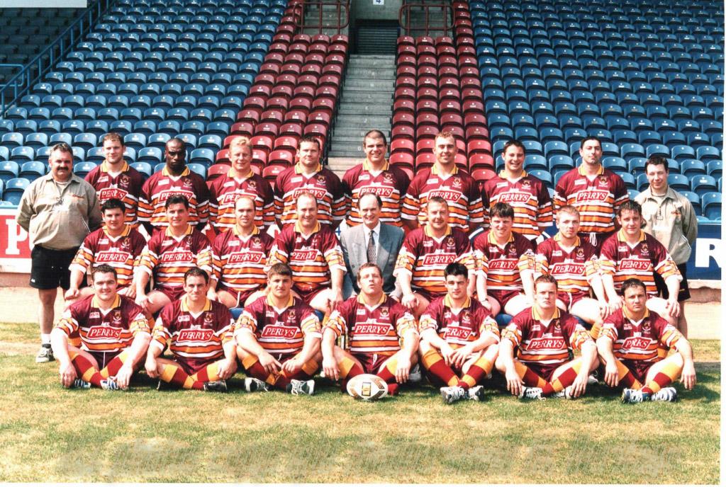 Ch_15_Pic_7_1998_Team_Photo.jpg