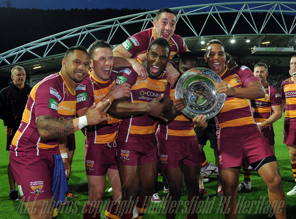 Hudds_Giants_-_SL_League_Leaders_Shield_2013.jpg