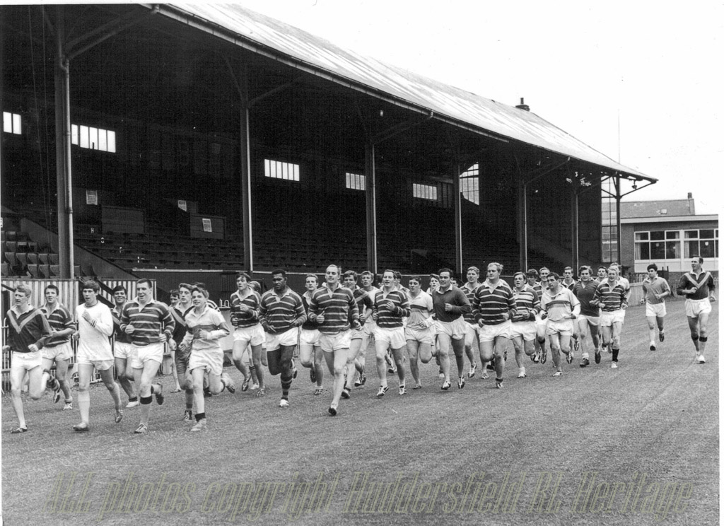 Pre-season_training_at_Fartown_1967-68.jpg